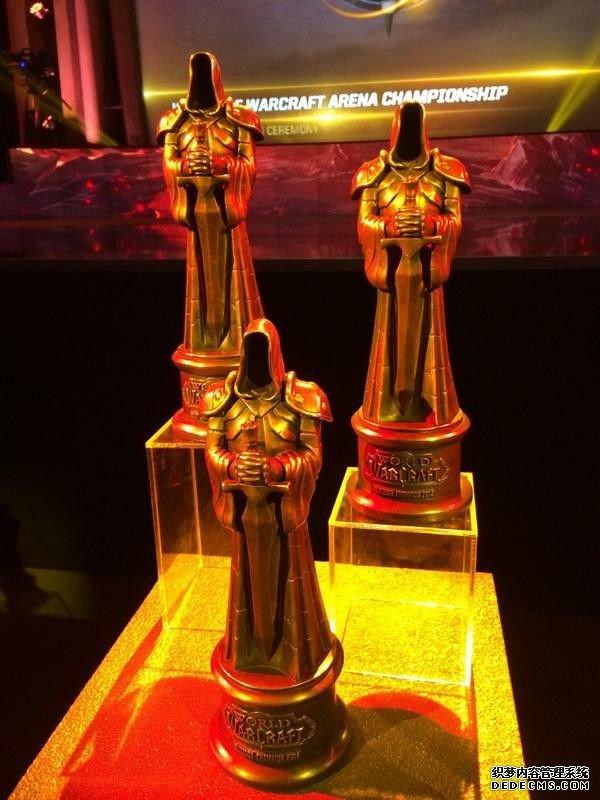 魔兽世界竞技场世锦赛奖杯造型:黑暗之门守卫